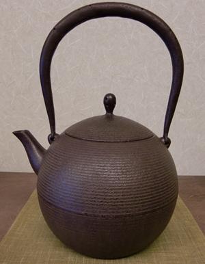 鉄瓶 日の丸形鉄瓶(中)1.0L