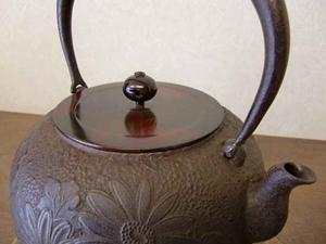 【山形鉄瓶】鉄瓶 平丸菊(銅蓋付)2.1L