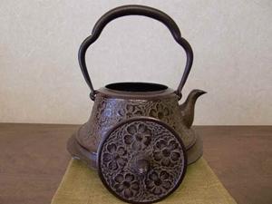 【山形鉄瓶】鉄瓶 富士桜(1.5L)