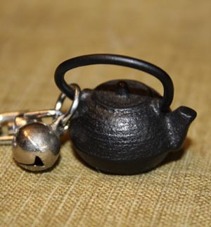 キーホルダー鉄瓶