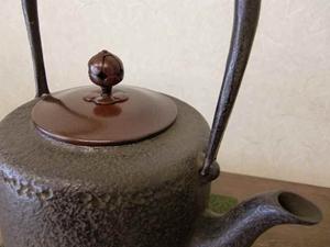 鉄瓶18型筒型肌(唐金蓋)1.6L